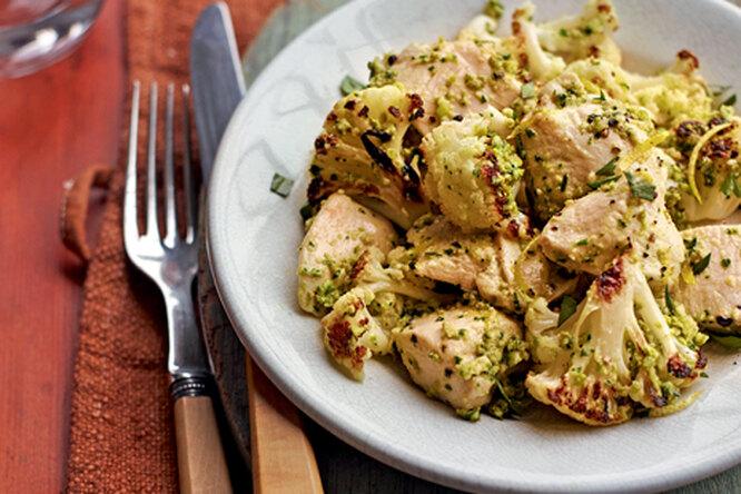 Куриные грудки с цветной капустой