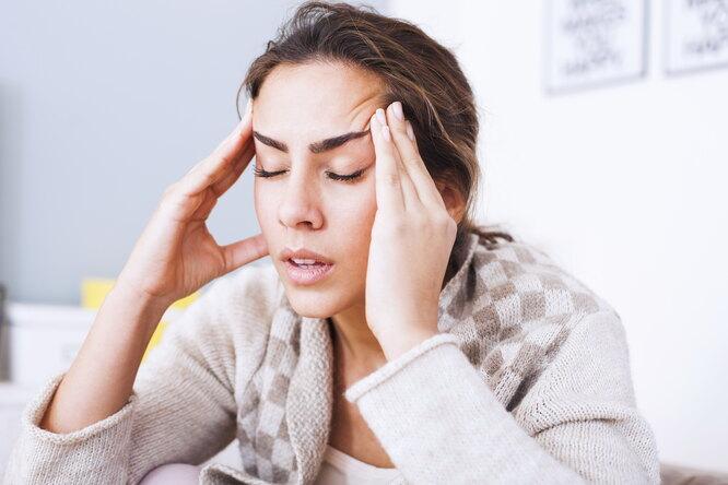 девушка, женщина, головная боль, мигрень