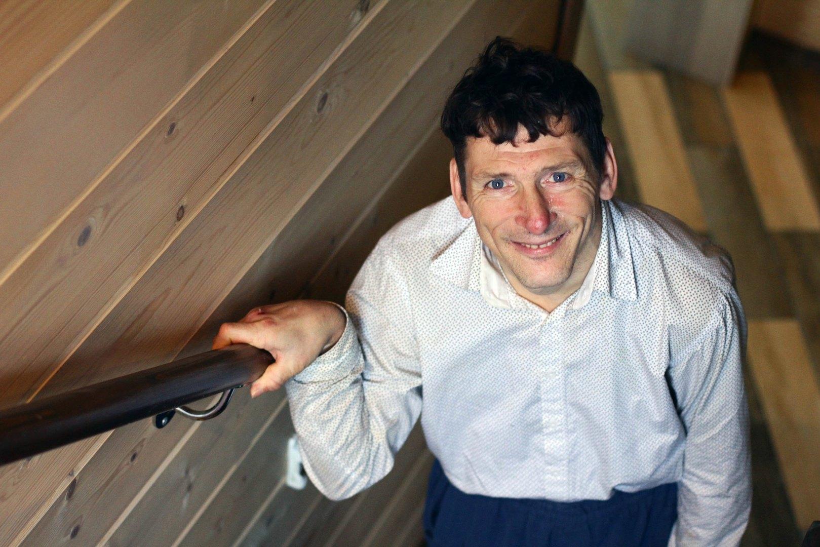 Владимир Долматов вдоме сопровождаемого проживания, построенном благотворительной организацией