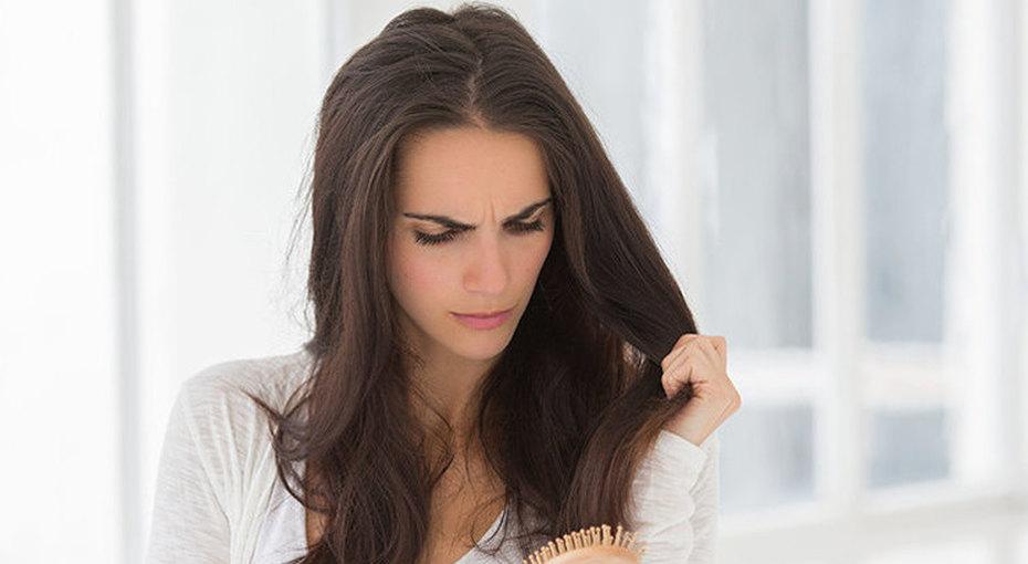 Избавиться отпроблемы: 8 главных причин выпадения волос