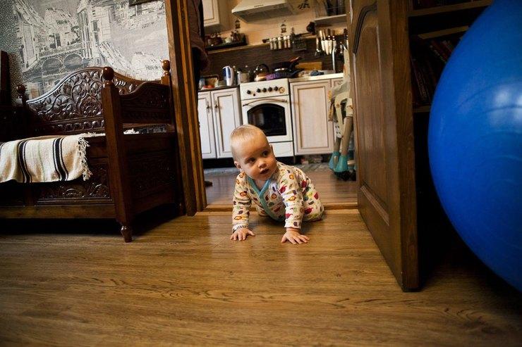 Федор учится ползать начетвереньках, иэто значит, что после операции унего действуют ноги.