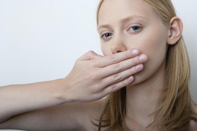 7 опасных болезней, которые можно определить позапаху изо рта