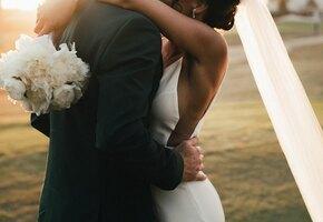 Женщина в день свадьбы сына узнала, что невеста - её потерянная дочь