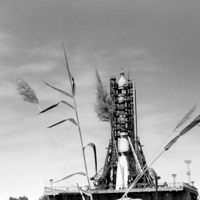 """Космический корабль """"Союз-11"""" на стартовой площадке"""