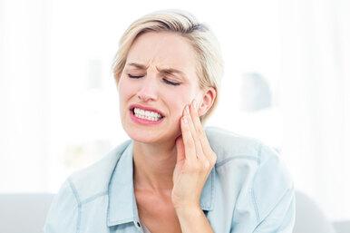 «У меня сломался зуб ивоспалилась десна». Экстренные случаи встоматологии