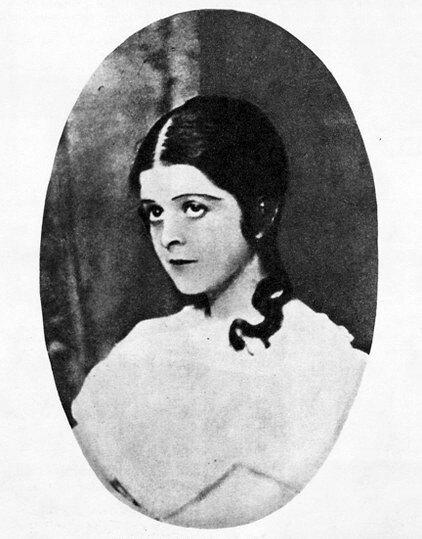 Софья Голлидэй в роли Настеньки из «Белых ночей» Ф. Достоевского