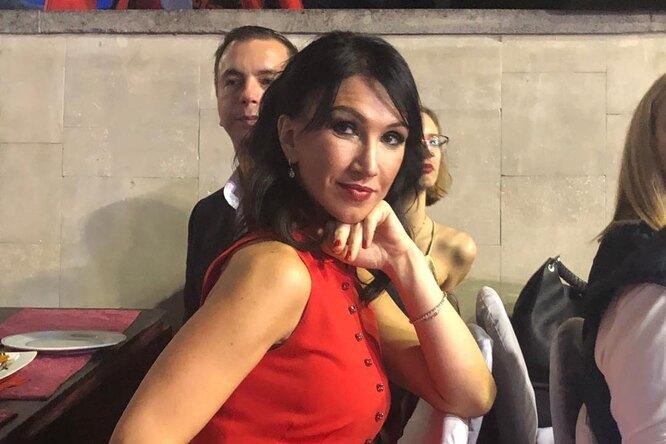 Мать 4 детей изСанкт-Петербурга победила вконкурсе красоты истала Миссис Вселенная-Классик-2020