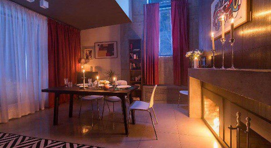 В Подмосковье открылся отель, который принимает коплате знания
