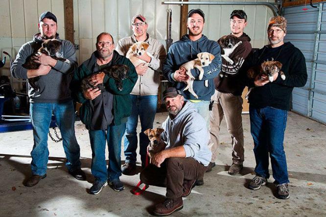 Бродячая собака заглянула намальчишник и... изменила жизнь восьмерых людей