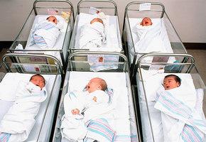 4 реальные истории о том, как в роддоме подменили младенцев