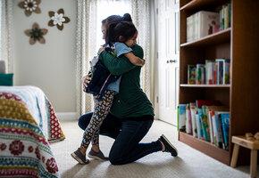 Выигрыш в лотерею помог одинокой маме вернуть дочь. Она не видела ее 2 года