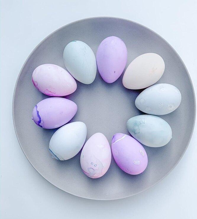 пасхальные яйца в чернике