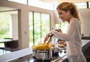 Лайфхак недели: как быстрее отварить макароны и не ждать, когда закипит вода