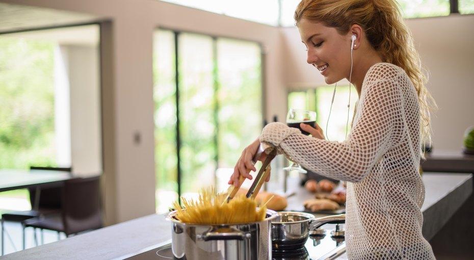 Лайфхак недели: как быстрее отварить макароны ине ждать, когда закипит вода