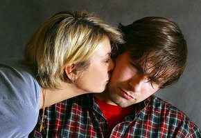10 признаков того, что ваш мужчина с вами от скуки