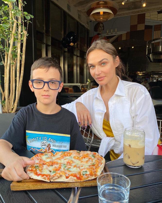 Алена Возонаева с сыном