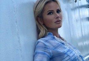 «Стесняюсь подойти к Саше Петрову»: Дана Борисова позирует в бикини на Самуи