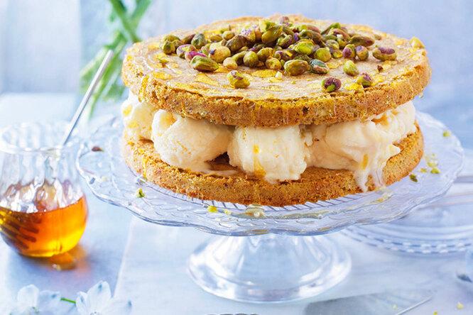 Вкусный домашний торт-мороженое с фисташками и медом