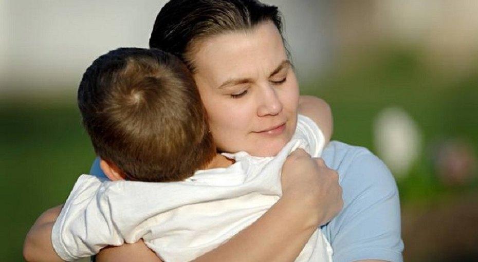 Молодая мать-сирота обратилась вопеку заподдержкой. Опека вместо помощи подала налишение ее родительских прав