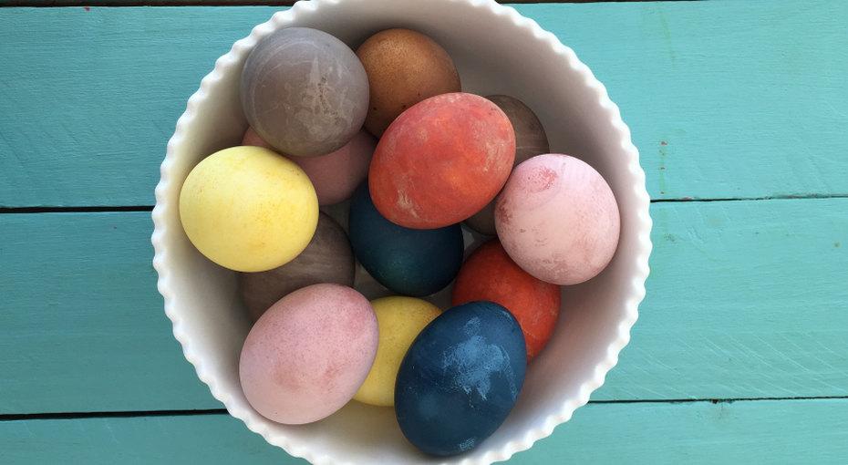 Как сделать натуральные красители дляпасхальных яиц