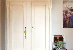 Мама сделала дочери невероятный сюрприз: этот шкаф в детской кое-что скрывает