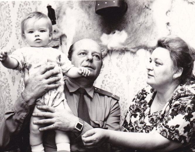 Мария Александрова с бабушкой и дедушкой, личный архив звезды