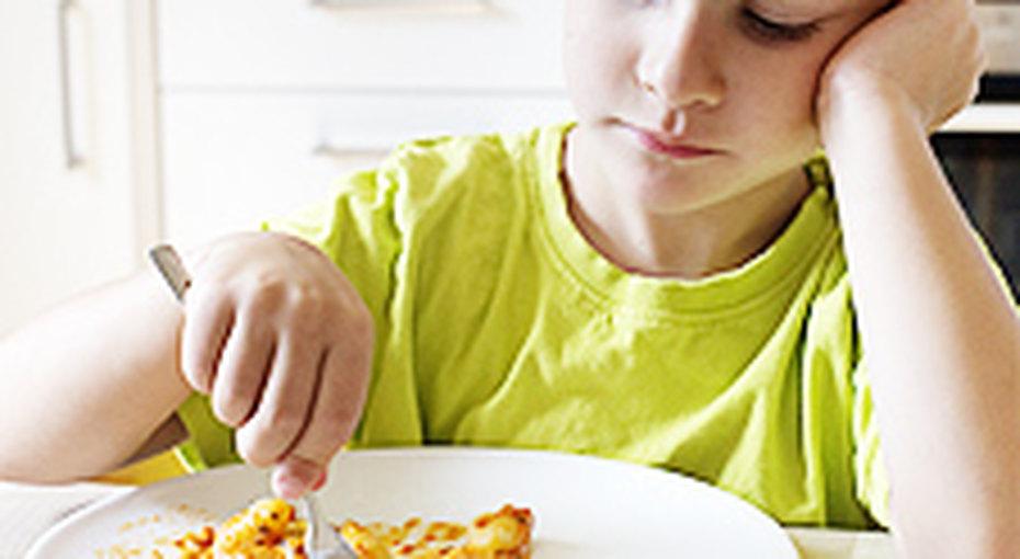 6 хитростей, которые помогут научить ребенка есть все