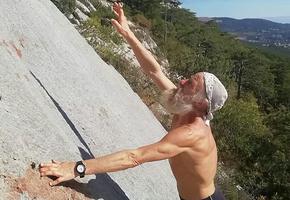 Без страха и страховки: 70-летний альпинист Дед Андроныч покорил весь мир
