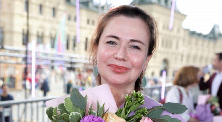 «С ним можно смеяться днями напролет»: Ксения Лаврова-Глинка выложила романтичное фото смужем