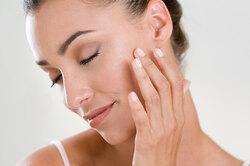 Для укладки волос иотбеливания зубов: 10 бьюти-гаджетов, которые заменят салон
