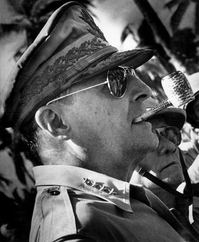 Генерал Макартур, 1944 год –Legion-Media