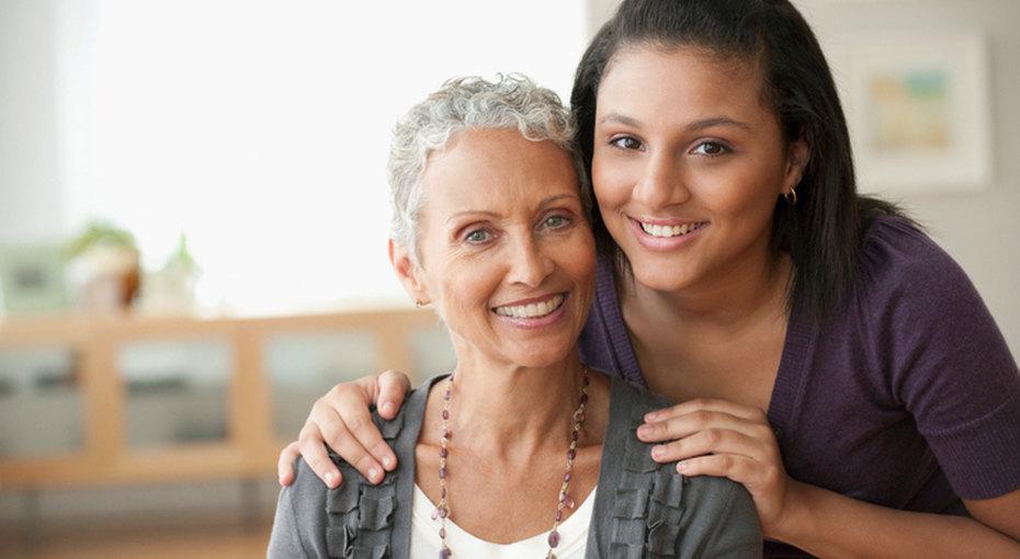 14-летняя девочка изобрела приложение длялюдей сболезнью Альцгеймера - теперь они смогут узнать своих родных
