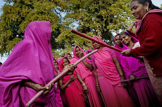 """женщины из """"Розовой банды"""""""