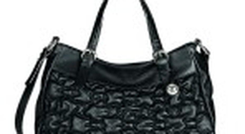 Звездный стиль: черная сумка