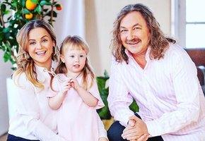 «Не бьем посуду»: Игорь Николаев и Юлия Проскурякова рассказали о семейной жизни