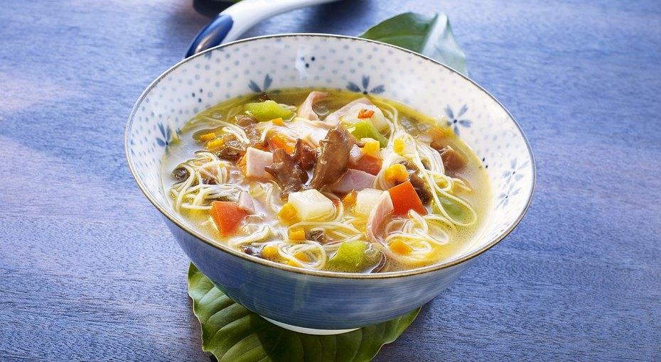 8 классических рецептов горячих азиатских супов