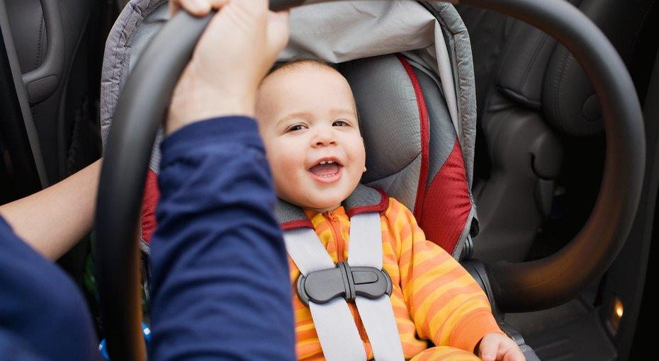 Манеж для поезда, дорожный столик и другие полезные вещи для путешествий с детьми