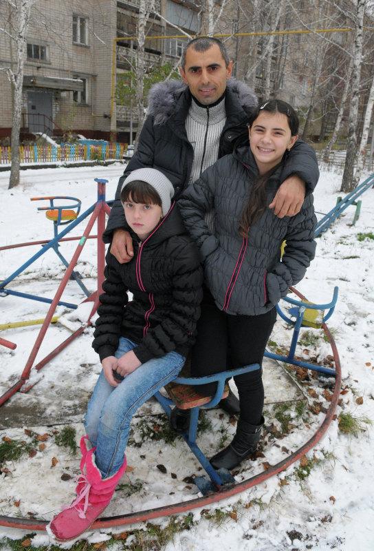 Анна Искандерова, Ниматулло Искандеров, отец Анны, и Ирина Андрущак
