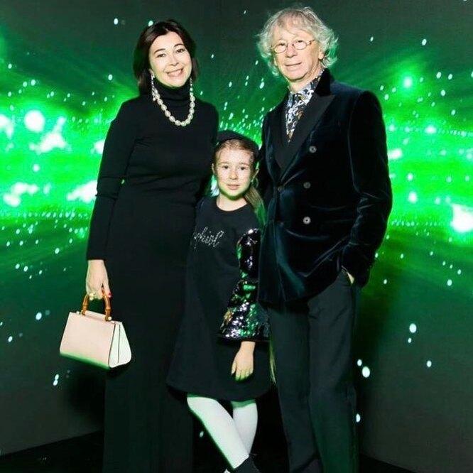 Аркадий Укупник с женой и дочерью