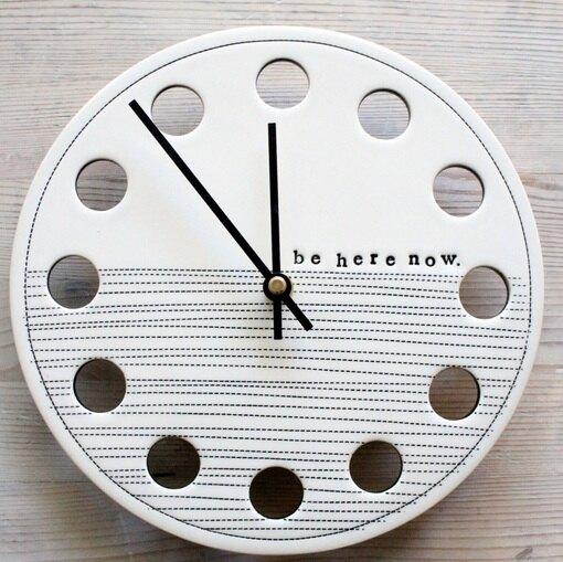 """Керамические часы ручной работы """"Be Here Now"""""""