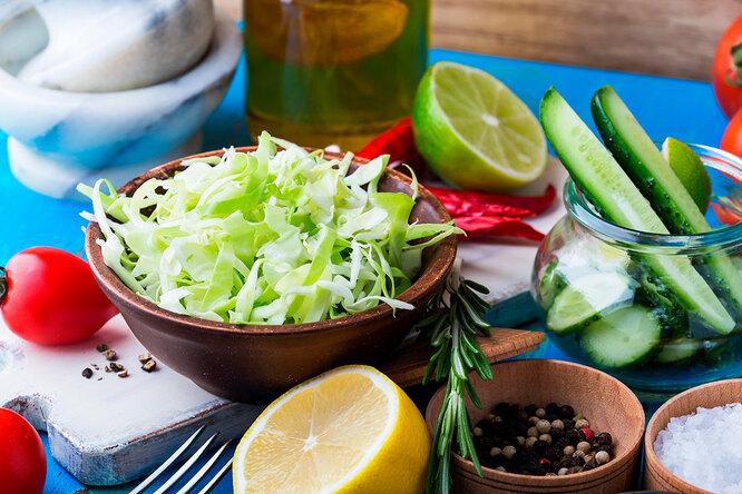 Необычный салат изкапусты – ссекретным ингредиентом