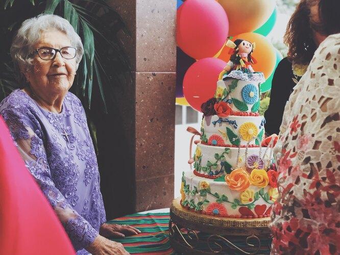 бабушка, день рождения