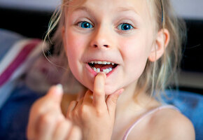 Почему надо лечить молочные зубы у ребенка? Отвечает детский стоматолог