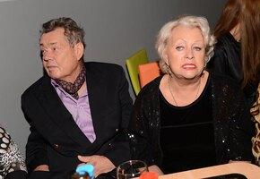 Вдова Николая Караченцова высказалась о романе Азизы с актером