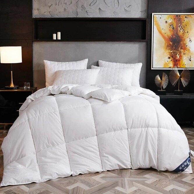 Пуховое одеяло, 2517 руб.