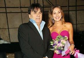 Дочь Александра Серова рассказала о знакомстве с мужем
