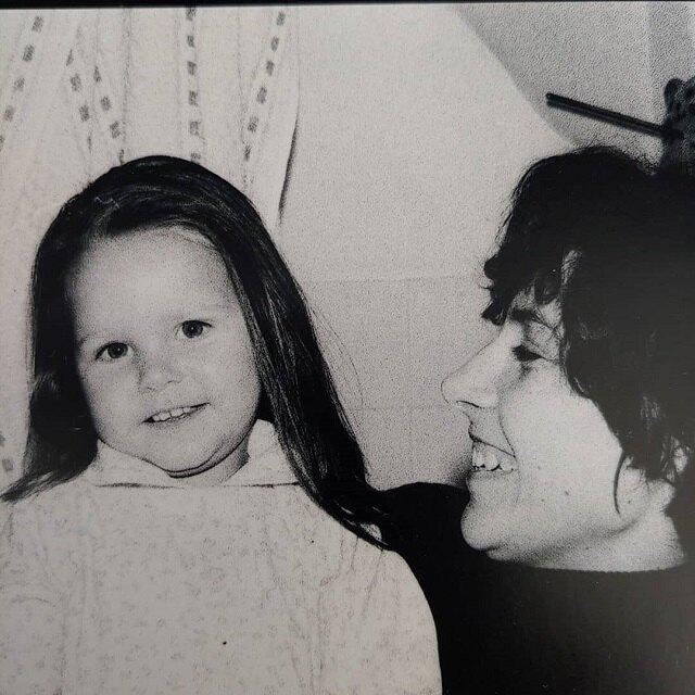 Тарханова в детстве с мамой