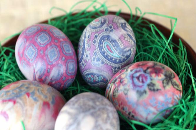 12 красивых инеобычных способов покрасить яйца наПасху
