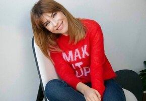 «Красное платье отпад!» Екатерина Волкова примерила весь свой летний гардероб (видео)