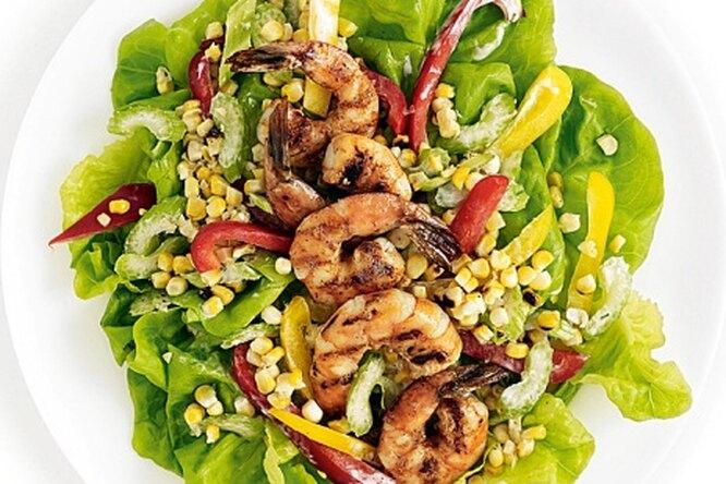 Мексиканский салат с кукурузой и перцем
